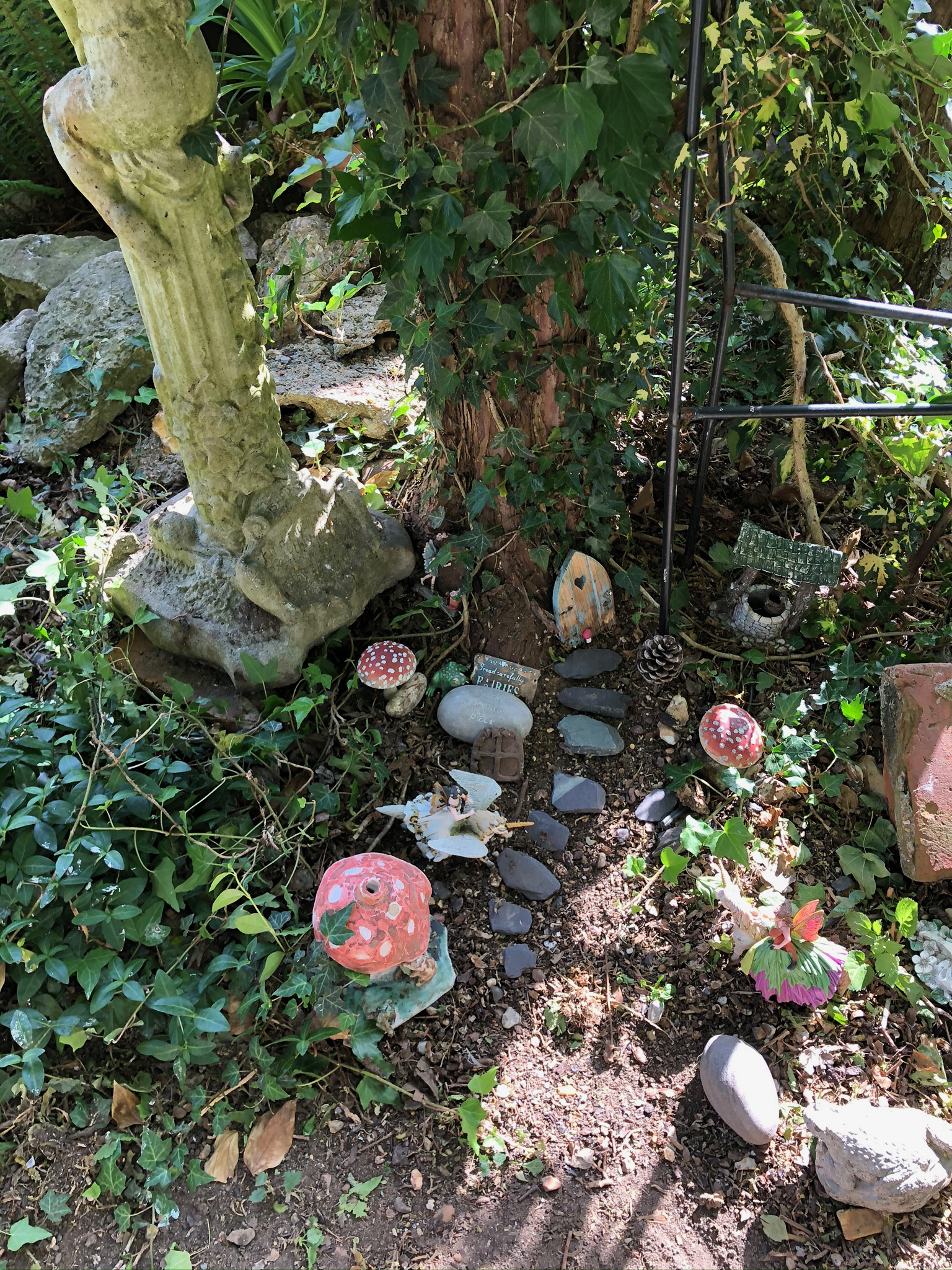 Fairy Garden and Robins- Rare May 29 Photo a Day